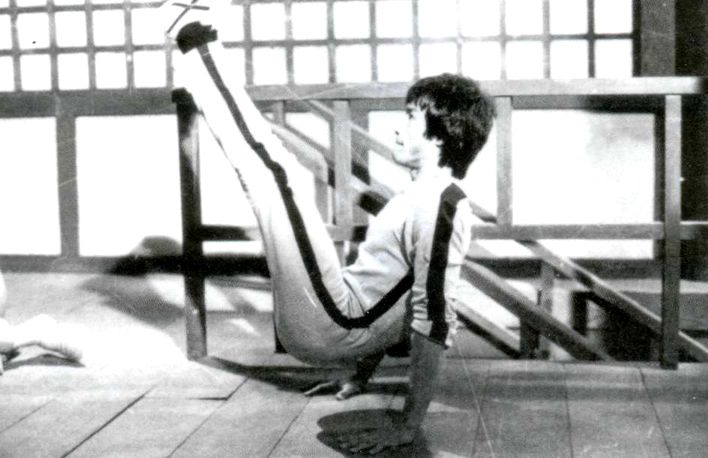 Bruce Lee Stretching